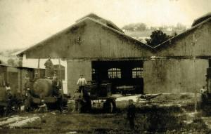 23-ROYBON_vue de l'entrepôt des machines